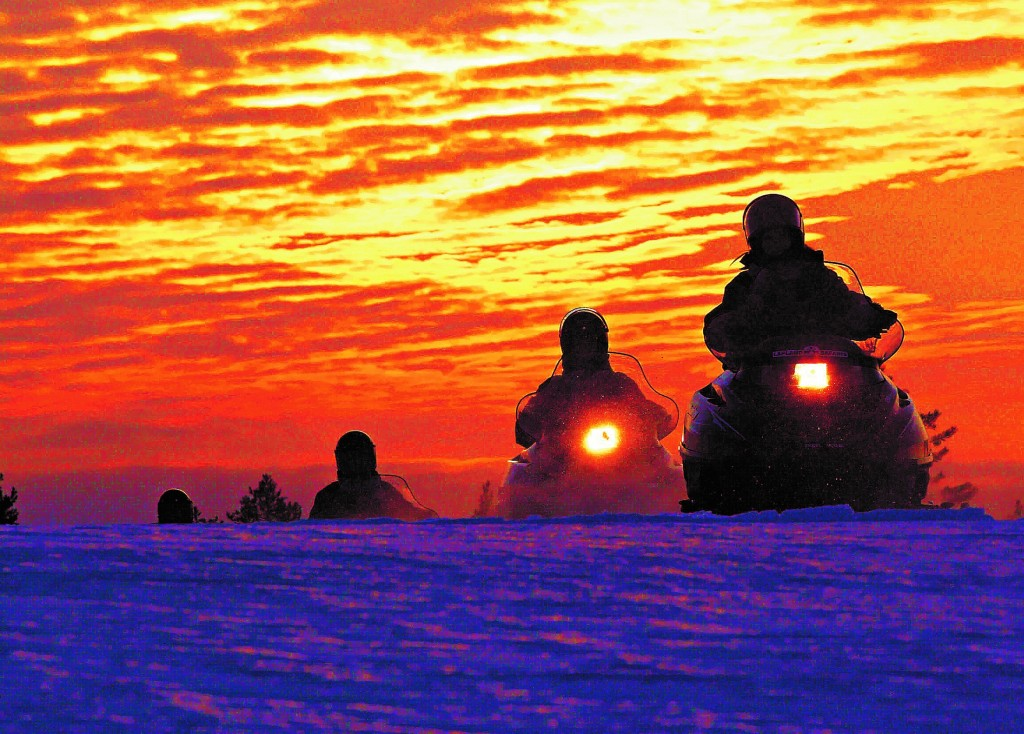 Snowmobile excursions with Lapland Safaris
