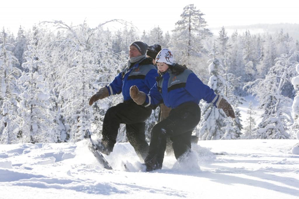 Snowshoeing with Safartica in Rovaniemi