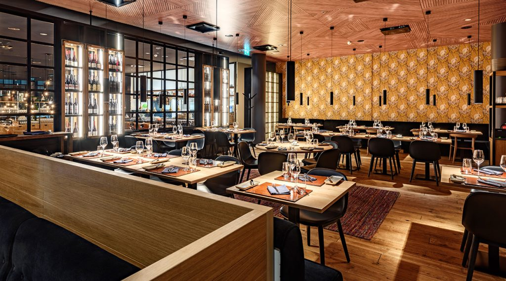 Clarion Hotel Helsinki Airport Kitchen & Table restaurant