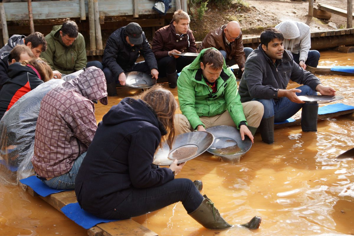 Guided Gold Panning Tour In Lapland 1 Hour Discovering